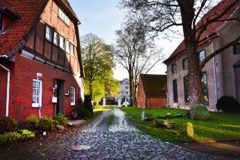 von der Kirchstraße in Richtung Museum